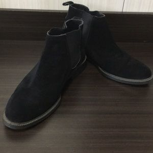 Black suede Boot M10/W12